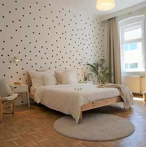 Polka-Dot 3-Bedroom-Suite With Balcony photos Exterior
