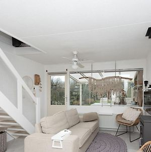 Modern House In A Quiet Area A Few Meters From The Lake Of Grevelingen photos Exterior