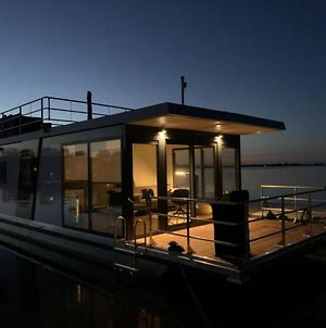 Modern Houseboat On Top Location With Unobstructed Views Over The Sneekermeer photos Exterior