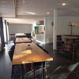 Spacious Accommodation With A Cosy Bar And Its Own Cinema photos Exterior