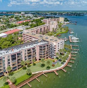 Renovated With Riverfront Views!! photos Exterior
