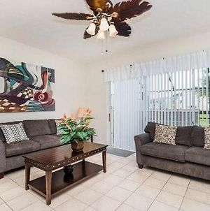 Beautiful 3 Bed Town Home With South Facing Pool photos Exterior