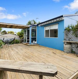The Wee Blue Bach - Waikanae Beach Holiday Home photos Exterior