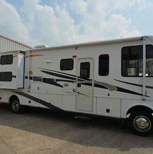 Air Conditioned Damon Rv In Secure Coach Yard photos Exterior