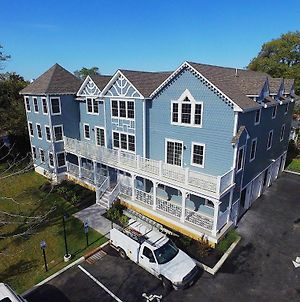 Brand New Construction Washington Street 4 Bed 3 Bath 2Nd Floor Condo photos Exterior