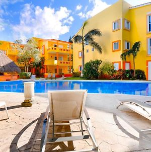 2Br Chac Ha Unit , Pool , Ac , Walking Distance To The Beach !!! photos Exterior