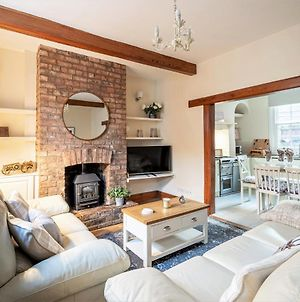 The Cottage In Chester, Sleeps 6 With Free Parking photos Exterior