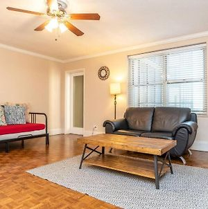 Downtown! Private Balcony! King Bed! P16H photos Exterior
