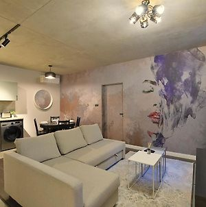 Rs10 New Faces Desing Apartment - 3 Rooms With Ac photos Exterior