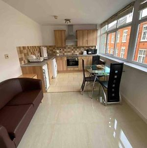 One Bedroom Spacious Apartment In Centre Of Leicester photos Exterior