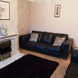 Beautiful 2-Bedroom House Close To Central Chester photos Exterior