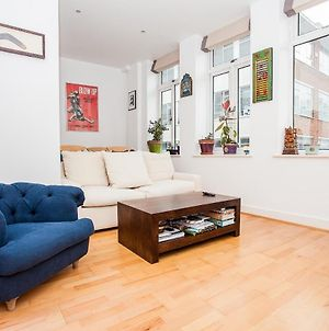 1 Bedroom Apartment In Farringdon photos Exterior