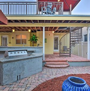 Conveniently Located Duplex Home In Hollywood photos Exterior