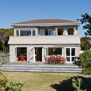 Turn Of The Tides - Paraparaumu Beach Holiday Home photos Exterior