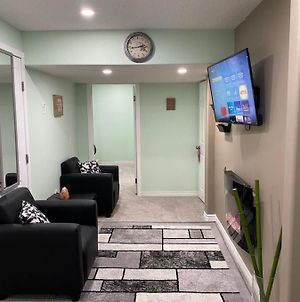 Residential Guest Suite 15 Mins Away From Airport photos Exterior