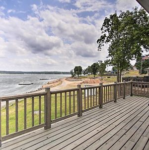Updated Lakefront Cottage Walk To Boat Ramp! photos Exterior