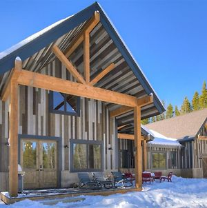 Basecamp Lodge - Brand New Luxury Home Secluded In The Mountains, Private Hot Tub! photos Exterior