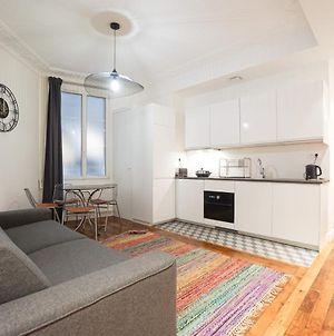 Large Flat At 2 Steps From The Eiffel Tower photos Exterior