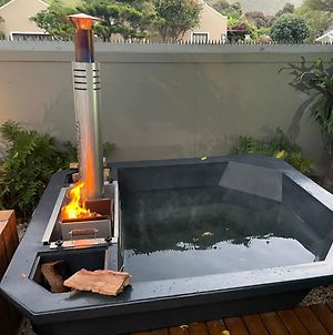 Seven On Flora- Hot Tub, Modern With Amazing Outside Area photos Exterior