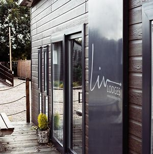 White Horse Holiday Park, Lincoln With Private Hot Tubs Available photos Exterior