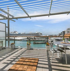 Luxurious Waterfront Apartment On The East Side Of Princes Wharf photos Exterior