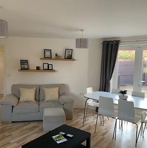 Silver Stag, Large 3 Bedroom Property With Parking photos Exterior
