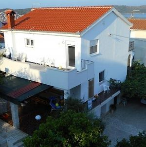 Apartment In Trogir With Terrace, Air Conditioning, Wi-Fi photos Exterior