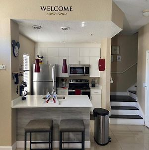 Beautiful Town Home 5 Miles From Disney Entrance photos Exterior