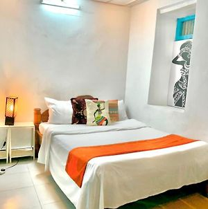 Stone Town, Zanzibar Street View, 1 Ensuite Bedroom With Ac And Fan In A 2 Bedroom House photos Exterior