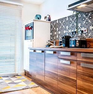 Sheffield Luxury Studio.. Your Home Away From Home... City Centre.. Sleeps 3 photos Exterior