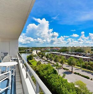 Rent This Luxury 5 Star Apartment On The Anchorage, Siesta Key Apartment 1029 photos Exterior