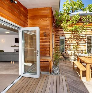 Modern Arrowtown House In Fabulous Location photos Exterior