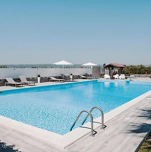 Belvedere Holiday Home Sleeps 13 With Pool And Air Con photos Exterior