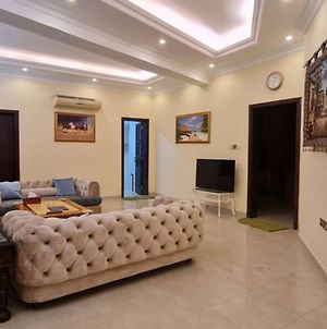Luxuriant One Bedroom Flat With Modern Furniture photos Exterior