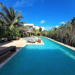 Romantic Condo, Best Retreat For A Couple, 1 Block From The Beach photos Exterior