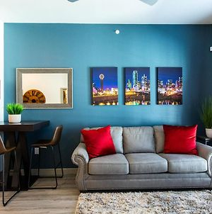 10 Min To Downtown Dallas-King Suite--Free Parking--Gym--Fast Wifi photos Exterior