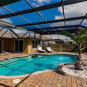 Tiki Paradise House & Pool - 10 Min To Beach! photos Exterior
