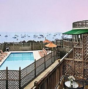 Overlook Beautiful Narragansett Bay - Historic Victorian Inn - Resort Suites photos Exterior
