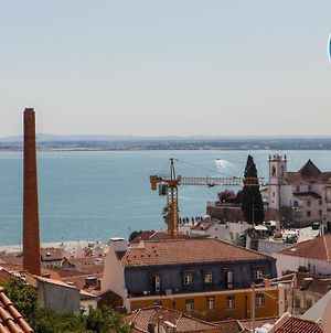 Alfama Amazing Scenic River And City View Charming Apartment With 2 Bedrooms And Ac 19Th Century Building photos Exterior