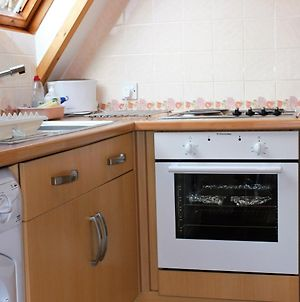Lovely Holiday Home In Lairg Highlands With Balcony photos Room