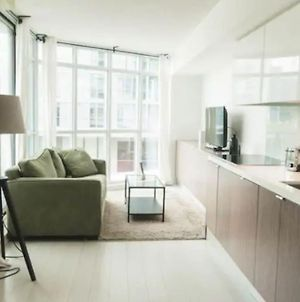 Modern And Stylish 1 Bed Condo Near Cn Tower photos Exterior