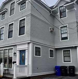 Modern Cottage In Downtown Npt-Walk To All photos Exterior