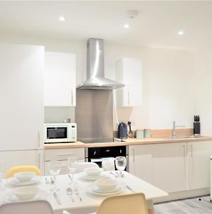 Royal Suite, Elegant Spacious 2 Bed Apartment In The City Centre - Perfect For Work Or Leisure! photos Exterior