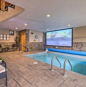 Luxe Smoky Mtn Cabin Indoor Pool And Fire Pit! photos Exterior