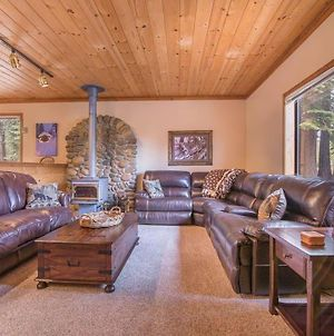 Whiskey Springs By Avantstay - Classic Cabin Near Tahoe Donner Ski Area! photos Exterior