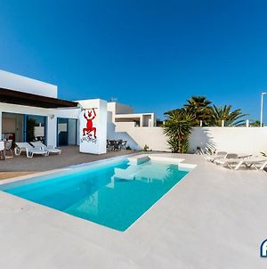 Lovely 3-Bed Villa With Studio In Playa Blanca photos Exterior