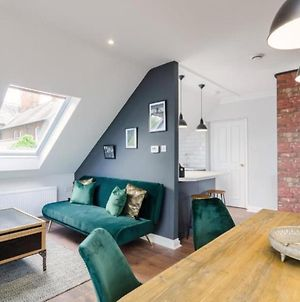 Time Is Now! Beautiful Apartment In York photos Exterior