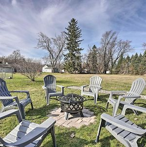 Home 1 Block To Lake With Private Beach Access! photos Exterior