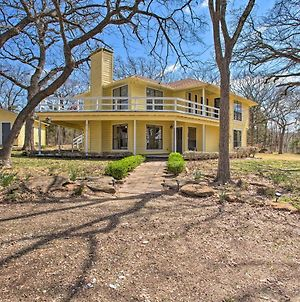 Spacious Texas Getaway Half Mi To Lake Texoma photos Exterior