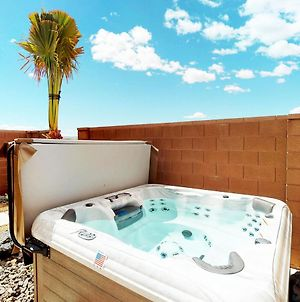 Private Hot Tub * Fenced Backyard * Xbox * Fire Pit * Ping Pong photos Exterior